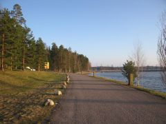 Дорога вдоль озера Сайма